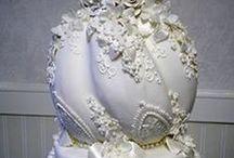 White and Ivory Wedding Cakes -Bílé svatební dorty