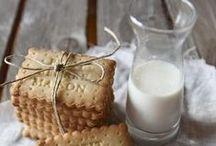♡ Milk & Cookies / comforting milk & cookies