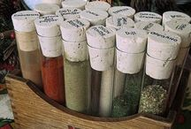 Storing Herbs & Spices / Simple and creative ideas for properly storing herbs and spices.