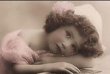 Vintage pictures and cards / Vanhoja kauniita kuvia ja kortteja