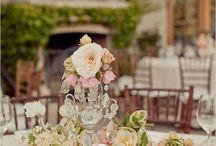 matrimonio vintage | shabby chic wedding / Fiori dalle tonalità pastello, nastri avvolgenti, profumi di mughetto, atmosfere patinate. Il matrimonio vintage, nella variante shabby chic, è il sogno delle spose più romantiche.