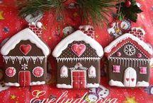 Gingerbread House Cookies / gingerbread house, gingerbread cookies, Christmas cookies, perníkové chaloupce, perník, perníky, perník vánoční, piernik, piernika, , , medovniky, mézeskalács karácsonyra, пряники Рождество, пряничный домик, имбирный пряни, pandekagehuse, jul, peperkoek huis Kerst, Piparkakkutalo, Lebkuchenhaus Weihnachts, pepperkakehus julen, perníkovej chalúpke, pepparkakshus jul, pan de jengibre Casa de la Navidad, casa de la galleta, maison de pain d'épice
