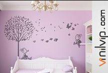 Decoración habitaciones compartidas / Decorar con vinilos bebé habitaciones compartidas es muy fácil con los personajes de Vinilvip. Descúbrelos en https://vinilvip.es/