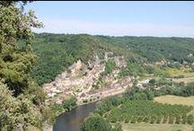 """La Roque-Gageac ¤(Dordogne, France). / RégionAquitaine. DépartementDordogne. ArrondissementSarlat-la-Canéda. CantonSarlat-la-Canéda. IntercommunalitéCommunauté de communes Sarlat-Périgord noir. Maire MandatJérôme Peyrat 2014-2020. Code postal24250. Démographie Population municipale438 hab. (2012). Densité61 hab./km2. Géographie AltitudeMin. 60 m – Max. 218 m Superficie7,17 km2. Village classé parmi les """"plus beaux villages de France""""."""