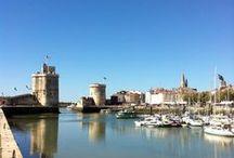 La Rochelle (Charente-Maritime, France). / Région : Aquitaine-Limousin-Poitou-Charentes. DépartementCharente-Maritime (préfecture). Arrondissement La Rochelle (chef-lieu). CantonChef-lieu de La Rochelle-1, La Rochelle-2 et La Rochelle-3. Communauté d'agglomération de La Rochelle.Maire Jean-François Fountaine,Mandat 2014-2020.Code postal 17000.Démographie Gentilé Rochelais.Population municipale 74 344 hab. (2013). Densité2 615 hab./km2.Population aire urbaine209 453 hab. (2013).AltitudeMin. 0 m – Max. 28 m. Superficie28,43 km2.