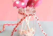 VALENTINES CRAFTS & RECIPES / VALENTINES CRAFTS AND RECIPES FOR KIDS AND TWEENS