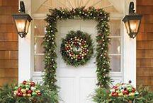 Beautiful Christmas Door Decorations / Christmas is upon us! Make sure your door looks fantastic this Christmas, take note of these beautiful Christmas doors and be inspired this Christmas!