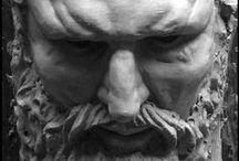 Sculptures humaines / Sculpture qui interprète l'humain dans l'observation et la distorsion