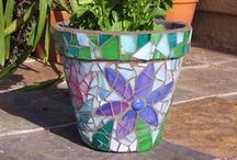 Garden Mosaics, loving the sparkle / eclectic mosaic garden art / by ♫♀✌♥ Renee Beanie ☮☽O☾ ❀ ❋ ❁