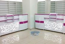 Eczane Dolabı / idealahsapdekor.com olarak  ezcane dolabı, eczane mobilyaları,  eczane dekorasyonu, eczane bankosu, kozmetik dolabı, mutfak dolapları, yatak odası, vestiyer, banyo dolapları, sürgü raylı dolap kısaca ahşap işleri ve mobilya dekorasyonu alanında alanında hizmet veriyoruz.