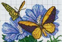 Broderie de papillons