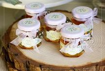 Wedding Favors / Choose one of a personalized wedding favors for your guests