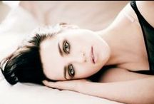 Katie McGrath / I adore this girl   (I know almost all pictures of her is Morgana from Merlin, but look at her !)