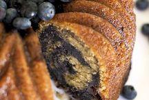 Bundt cakes / by Julia Tanoukhi