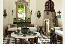 Moroccan House idea / traditional Moroccan architecture is shaped by centuries of cultural and religious influences, beautiful archways and curved doorways in the Islamic keyhole designs are some of the styles most recognizable elements.