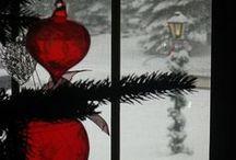 Everything Christmas! / by Lana Sladen