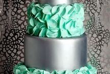 Wedding cake displays we love