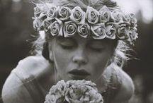Jeunes filles en fleur