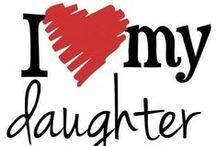 Äidit ja tyttäret / Maailmassa on vain yksi sievä lapsi, ja se on jokaisella äidillä.