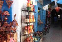 Hennalampen / De hennalampen worden met de hand gemaakt in de souks in Marrakech en stuk voor stuk versierd met henna.