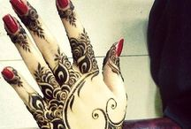 Henna Mendhi Obsession / Feels like centuries I have loved the intricate beauty of henna. Calls my soul!!