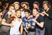 || 1D Family || / Invite whoever you want :)  We are the  huge family ♥ ♥ ♥ ♥ ♥ The boys may have got 4 brothers..but we got millions of sisters! So ily guys!!!
