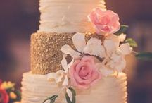 Cake Ideas / Everyone loves cake, especially a pretty one. Get creative ladies!