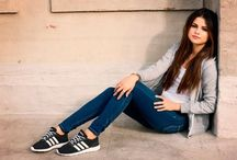 Selena Gomez Outfits / I love selena 's outfits. Most are casual and anyone could look great in her style. Here are some of her outfits that I personally love