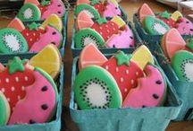 Food/ Fruit/Snack Cookies / by Momma Zinga