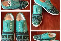 Shoes Shoes Shoes / by Enjoli Gilbert