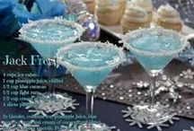 Alcoholic Beverages / Alcoholic Beverages that are perfect for social gathering's, Holiday gather's or just happy hour. / by Christine Leach McIntire