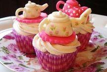 Adorable Cupcake Designs / by Bambi Pantanosas