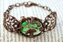 Beautiful Things / Beautiful vintage jewellery or accessories that we've seen on Pinterest!