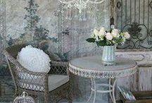 KOTINI ON LINNANI / Kotiin liittyvää---koristus esinettä ,mattoja ,valaisimia +++++MUUTA