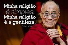Dalai Lama / Conheça e reflita com pensamentos ligados ao budismo, amor e paz. Apanhado com reflexões e mensagens sensíveis de Dalai Lama. / by Mensagens com Amor