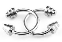 Circular Barbell Belly Rings / These circular barbells are great for both single and double navel piercings. They are comfortable to wear and easy to keep clean.