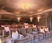 Cinema at home / Relaxation and fun at home guaranteed if you have a cinema or home theater at home.