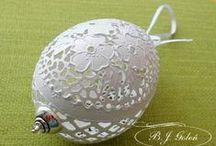 rzeźbiona pisanka egg-art / pisanka ze skorupki , wydmuszki naturalnego jaja gęsi, pisanka ręcznie rzeźbiona
