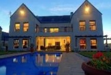 Dream Homes in Stellies / Browse through the most beautiful houses for sale in the Western Cape, Stellenbosch area. These houses showcase the Smart Move away from the busy city life.