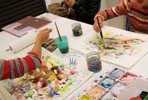 Laboratorio di pittura e manipolazione per bambini / I nostri corsi si svolgono da Settembre a Giugno una o due volte a settimana e puoi scegliere a quale tecnica dedicarti: - Discipline pittoriche |dipingere con acrilico, acquerello, colori a dita, pastelli colorati|; - Modellato |introduzione alle tecniche della manipolazione dell'argilla, creazione di piccoli manufatti|.
