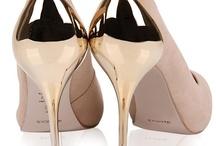 ♥ Love Shoes / ♥ Ah quando me deparo com uma vitrine de sapatos ...