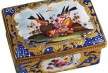 English enamel boxes, Bilston, Battersea, Staffordshire / English eighteenth century enamel boxes, snuffs, etuis etc