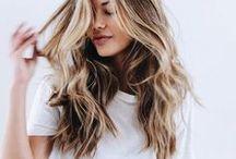 Lass die Haare wehen / Hair