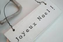 Noël / Pas toujours facile de trouver des décorations de Noël en français en Alberta. Voici quelques idées créatives pour ajouter une touche de français à vos célébrations!