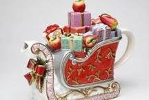 Christmas Tea Pots / by Brenda Cason