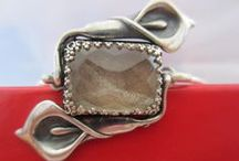 Modern Memorial Hair Jewelry / Preserve your loved one's or beloved pet's DNA by commissioning a unique piece of the Modern Memorial Hair Jewelry. Hair is at once the most delicate and durable. It is perfect to be incorporated into an elegant family heirloom in the form of a pendant or bracelet to be cherished for generations.