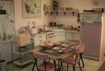 Shabby chic & Vintage living / by Destin1940