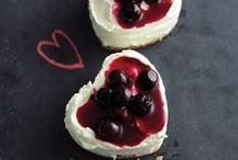 Valentine's Day Recipes / Easy and delicious Valentine's day recipes covering breakfast, dinner, and dessert for two!