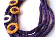 erikoislankatekniikat: virkatut korut / Special yarn techniques: crochet necklace, crochet jewelry