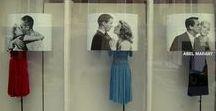 Vetrine / Come allestire una vetrina promozionale per i saldi, con adesivi, prespaziati, cubi promozionali, display, espositori